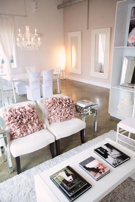 66 Airy And Elegant Feminine Living Rooms | DigsDigs