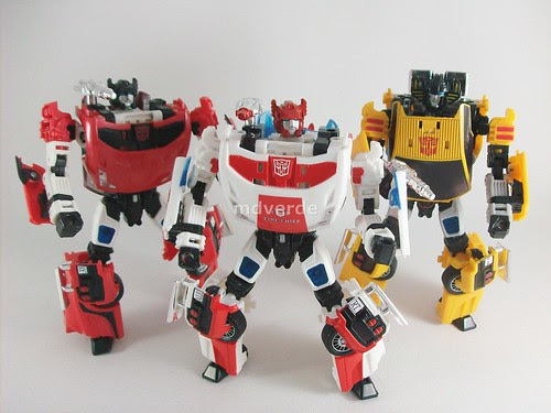 Transformers Red Alert Classics Henkei vs Sideswipe vs Sunstreaker - modo robot
