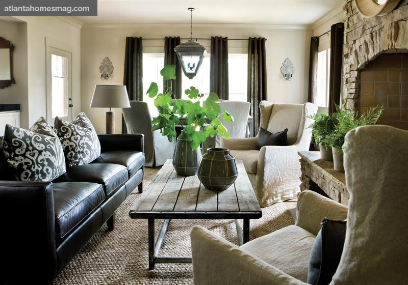 http://atlantahomesmag.com/wp-content/uploads/2015/07/living-room/110804_foxhall_029_0.jpg