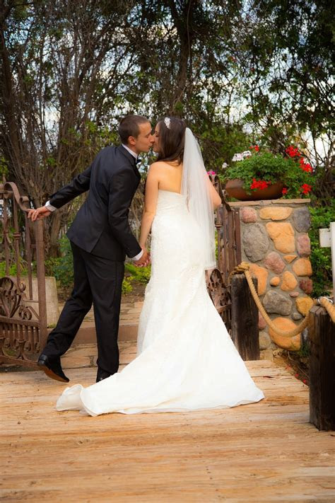 Affordable professional wedding photography Gallery