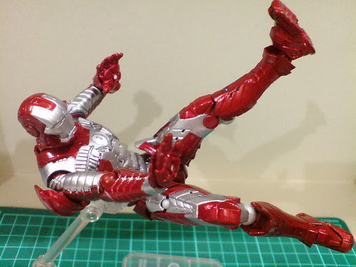 Ngee Khiong Ex: Sci-fi Revoltech Iron Man Mark V Part 5 [Final]