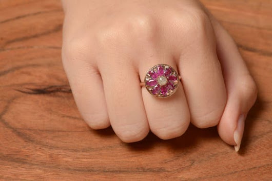 Round Mandala Ring with Ruby and Rose cut diamond in 14K Rose