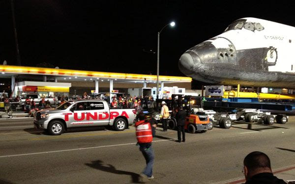 An ad featuring a Toyota Tundra pulling space shuttle Endeavour across Los Angeles' 405 freeway last year was aired during tonight's Vince Lombardi Trophy presentation.