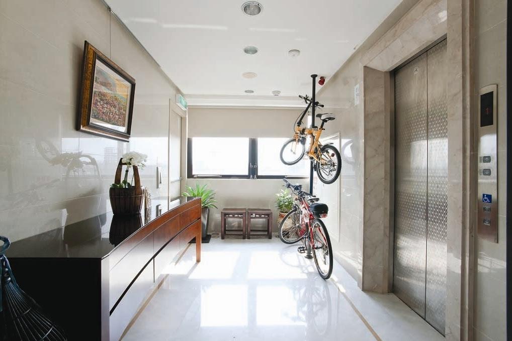 5 Ways To Decorate A Minimalistic Hallway
