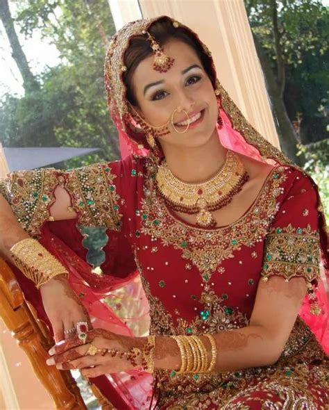 Best Indian Designers Of Bridal And Wedding Clothes