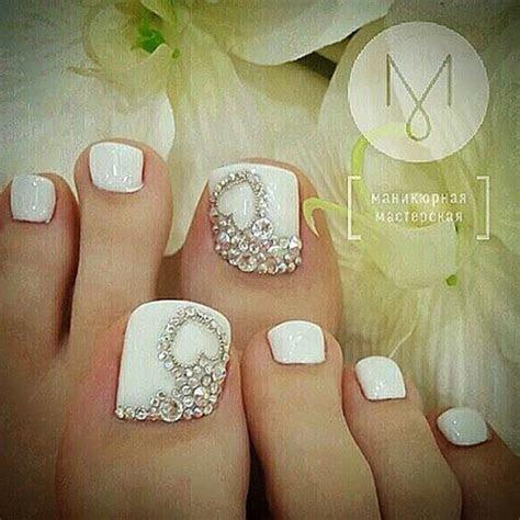 Best 25  Bridal toe nails ideas on Pinterest   Wedding