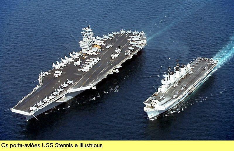 Porta-aviões USS Stennis e Illustrious.