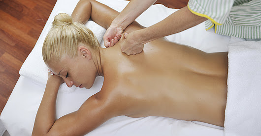 Why You Should Get a Massage Every Month This Year