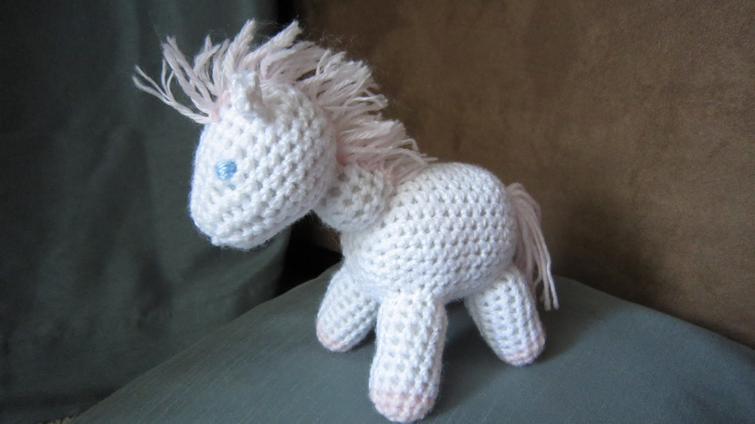 Crochet Horsey- White and Pink Pony