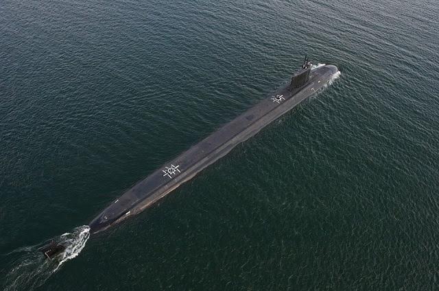 La Armada de Estados Unidos aceptó la entrega del PCU Dakota del Norte (SSN 784), la nave 11 de la clase Virginia, en agosto 29, dos días antes de su fecha de entrega por contrato. Dakota del Norte es el primero de ocho barcos Virginia Class Bloque III. Aproximadamente el 20 por ciento de Dakota del Norte fue rediseñado como parte de la labor de reducción de costos Virginia hacer para reducir su coste de adquisición y aumentar la flexibilidad operativa. Los cambios incluyen el rediseño de proa de un barco, en sustitución de 12 tubos de lanzamiento individuales con dos grandes de diámetro Virginia carga tubos, cada uno capaz de lanzar misiles de crucero Tomahawk seis.