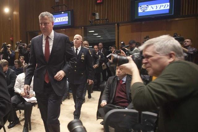 Futuro del alcalde de Nueva York es amenazado por crisis  policial