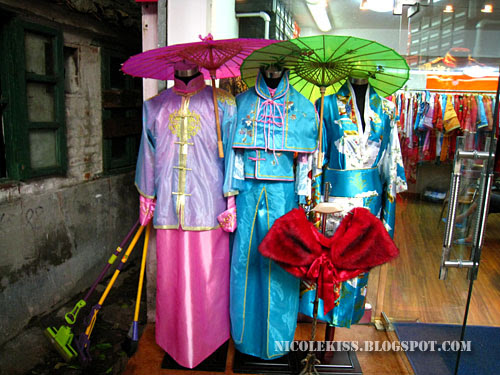 traditional wedding costume 2
