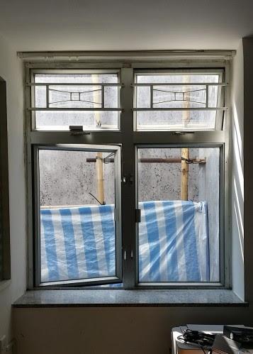 解体前の出窓
