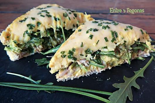 Sándwich de Pollo Asado con Aguacate y Rúcula - Entre 3 Fogones