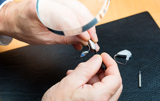 3 Common Causes of Hearing Aid Repairs