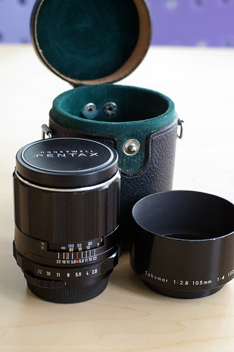 Pentax Super Takumar 105mm f/2.8 in M42 mount