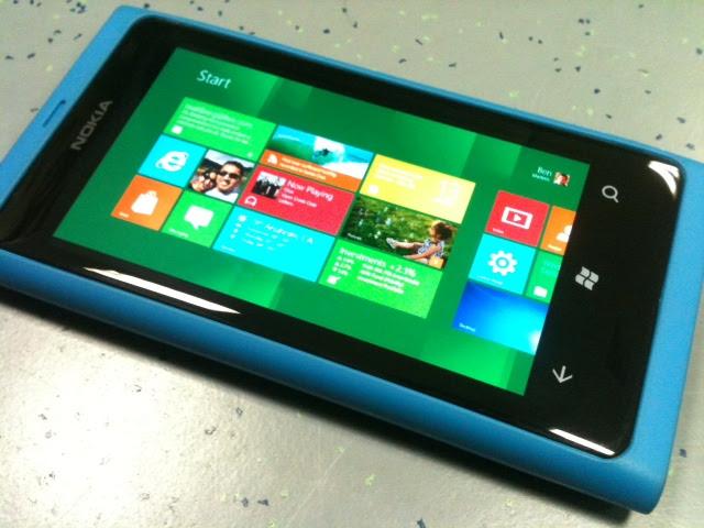 Nokia Lumia 800 pode receber o Windows Phone 8 (Foto: Allan Melo/TechTudo)
