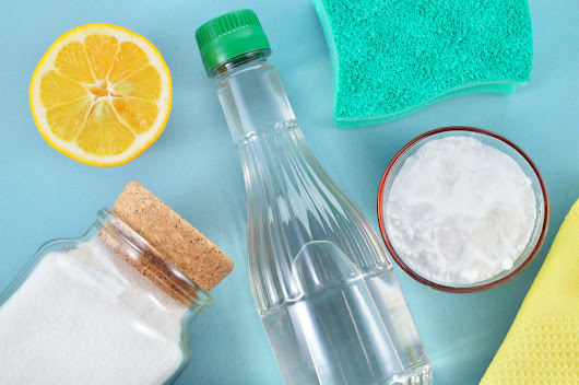 DIY Cleaners for a Less Toxic Home