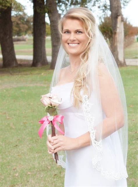 Best 25  Lace wedding veils ideas on Pinterest   Fitted