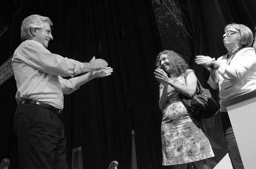Tabaré Vázquez, Constanza Moreira y Mónica Xavier, ayer, en el Congreso del Frente Amplio, en el Palacio Peñarol. Foto: Pablo Vignali