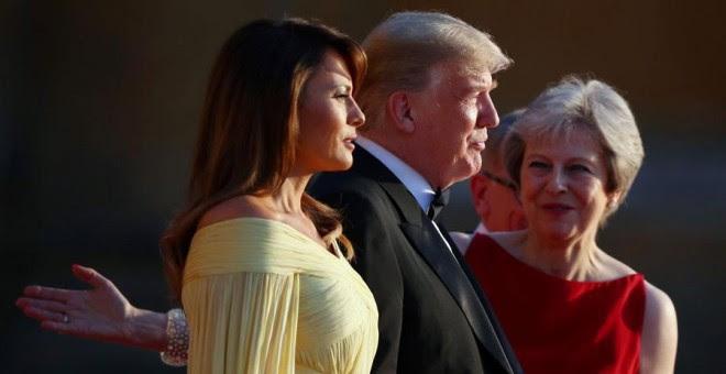 Melania y Donald Trump, junto con Theresa May, este jueves. REUTERS/Hannah McKay