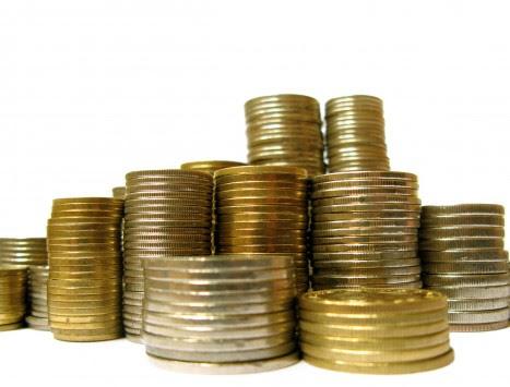 Δημόσιοι υπάλληλοι κροίσοι στην... κρίση! Εκπαιδευτικοί, γιατροί, υπάλληλοι υπουργείων και Δήμων έβγαλαν 1,5 δισ. ευρώ στο εξωτερικό!