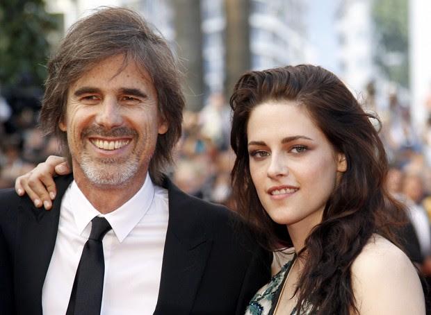 """Kristen Stewart e Walter Salles lançam """"On The Road"""" em Cannes (Foto: Agência/ Reuters)"""