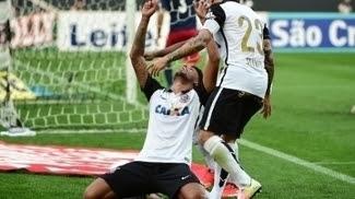 André celebra o segundo gol do Corinthians contra o Red Bull Brasil
