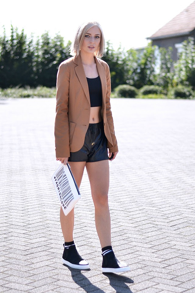 camel color blazer trend crop top 90's nineties asos black perforated mesh leather look shorts sportive streetstyle fashion blogger turn it inside out belgium belgie mode zara fur slip ons pony hair black new collection 2015 high top hi sneakers sport socks high socks stripes zara code clutch white