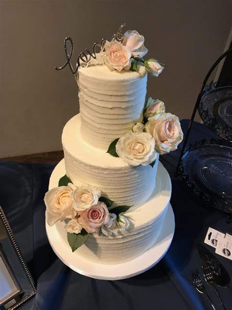 Nashville Sweets   Textured Buttercream Lines Wedding Cake