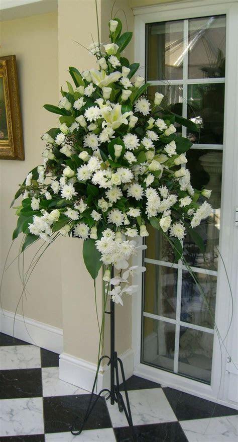 Best 25  Church flower arrangements ideas on Pinterest