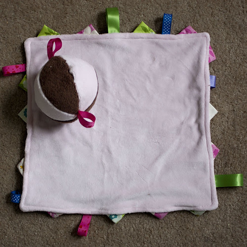 Tag blanket and ball