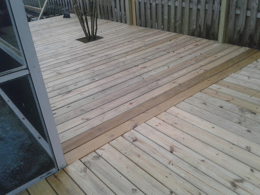 BUILDING YOUR NEW DECK ON A BUDGET.
