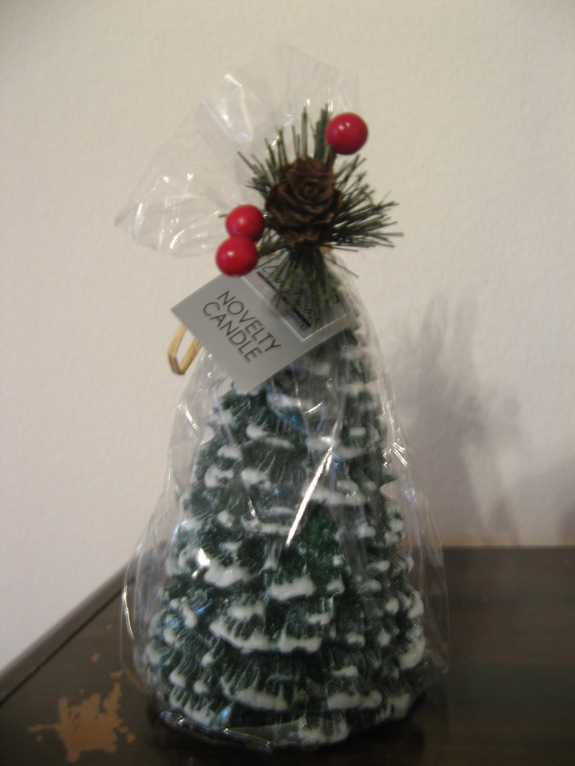Items similar to Christmas Tree Money Candle - Real Cash ...