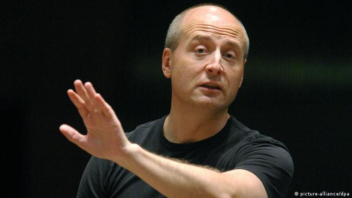 Paavo Järvi conducting Photo: Hermann Wöstmann +++(c) dpa - Report+++ pixel