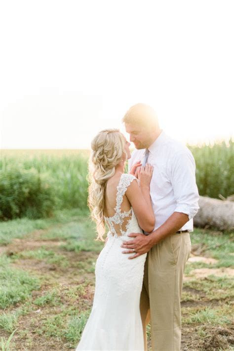 Courtney & Zach   Romantic Outdoor Minnesota Wedding with