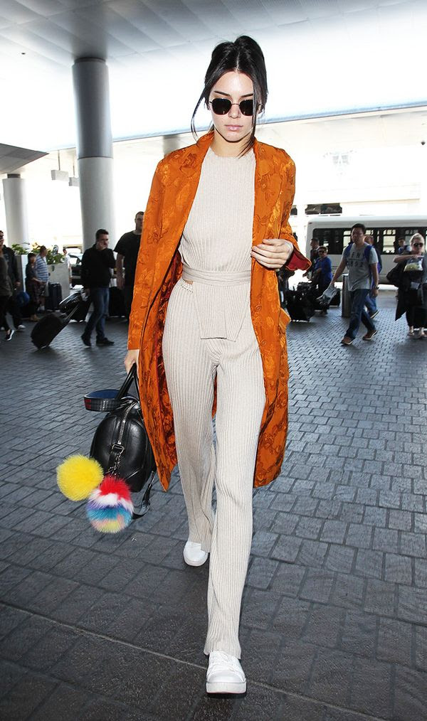 kendall-jenner-airport-trench-coat