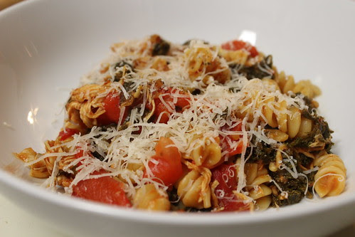 Kale & Roasted Red Pepper Pasta