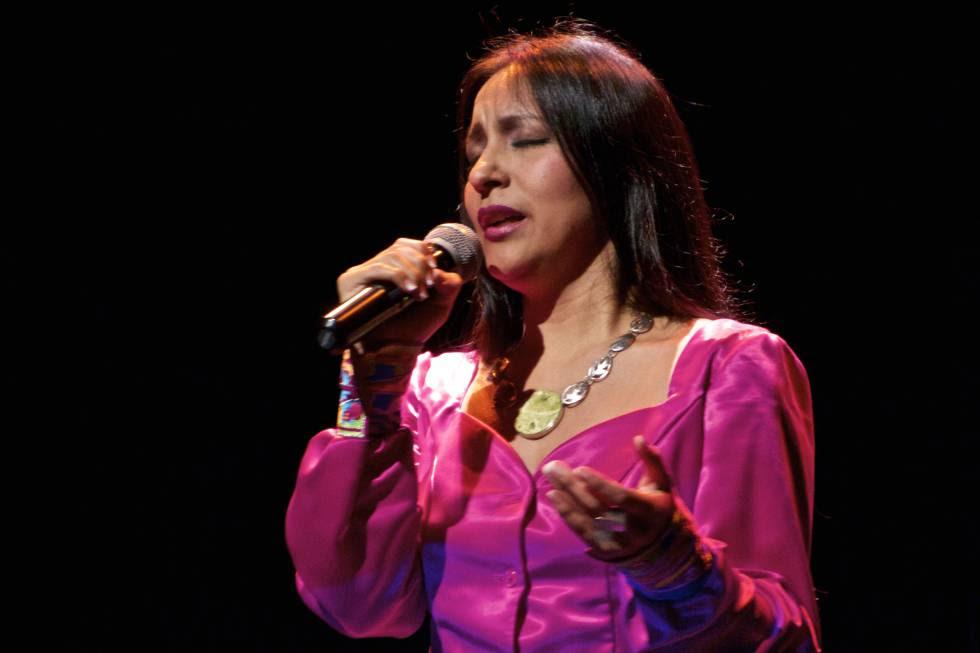 La peruana Sylvia Falcón canta en quechua. Imagen cedida por la cantante.