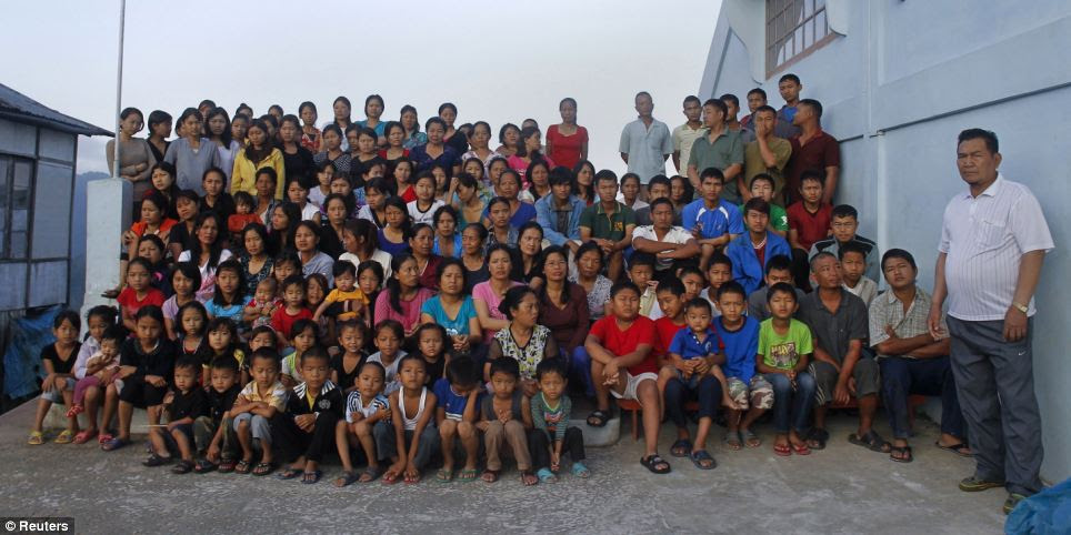 Grande cria: Ziona Chana tem 94 filhos por 39 esposas, 14-noras e 33 netos
