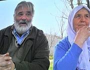 Gianni Rigoni Stern con una vedova di Suceska
