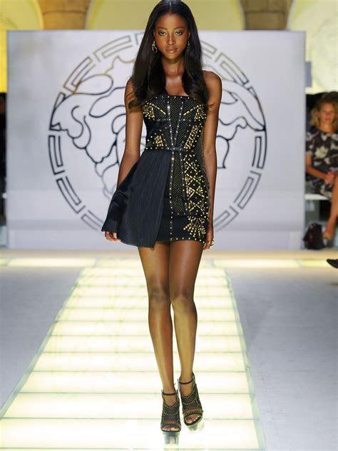 Versace SpringSummer 2012 Latest Fashion Show   She Styles