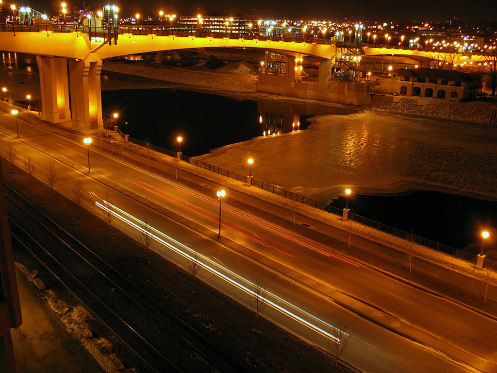 Wabasha Street Bridge that crosses the Mississippi River in St Paul, MN