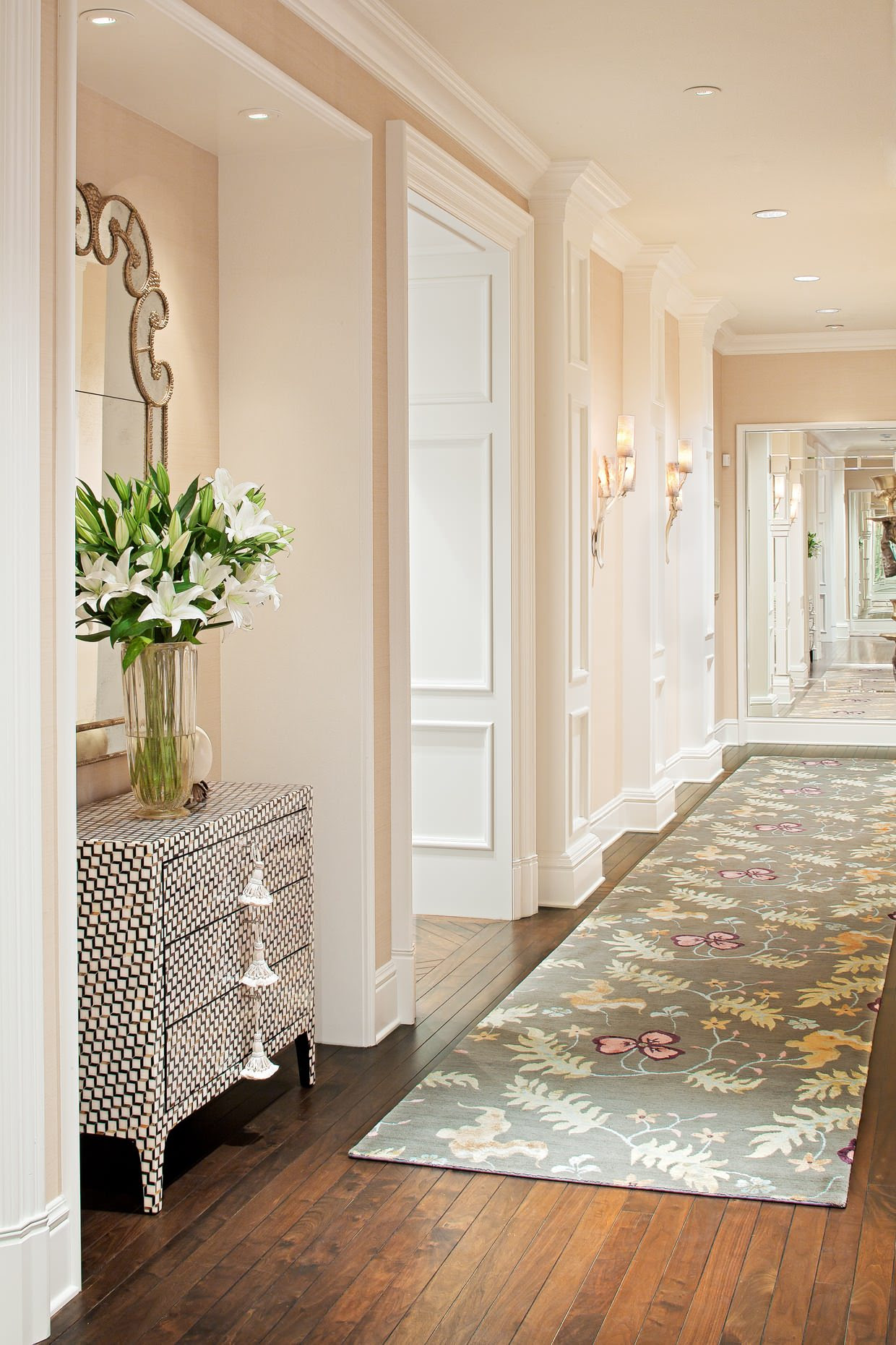 35 Hallway Decor Ideas to Try in Your Home | KeriBrownHomes
