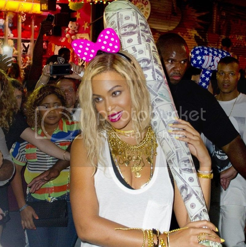 Beyoncé enjoys dance-off while shooting new music video at Coney Island...