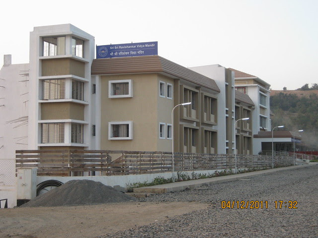 Sri Sri Ravishankar Vidya Mandir - Visit to Paranjape Schemes' Forest Trails, Bungalows, 2 BHK & 3 BHK Flats at Bhugaon, Pune 411 042