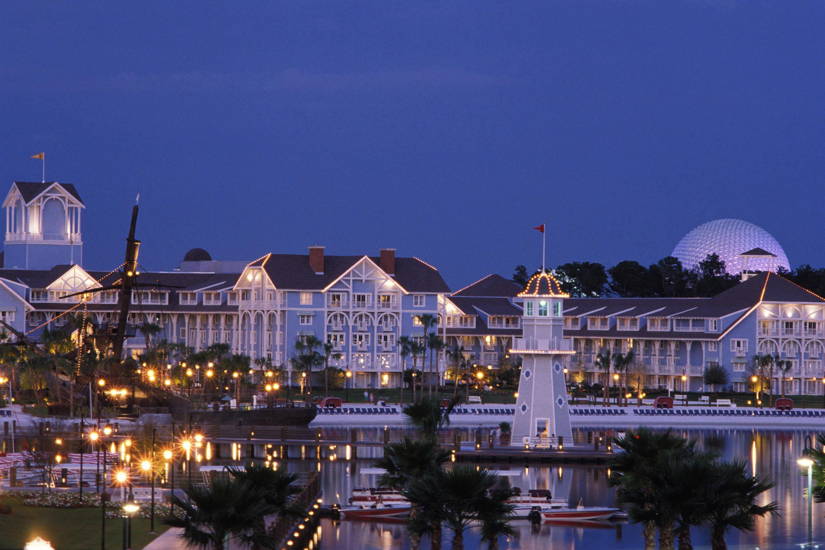 Disneys Beach Club Resort  Magical DIStractions