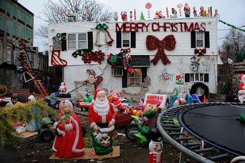 merry christmas house 3_1 web