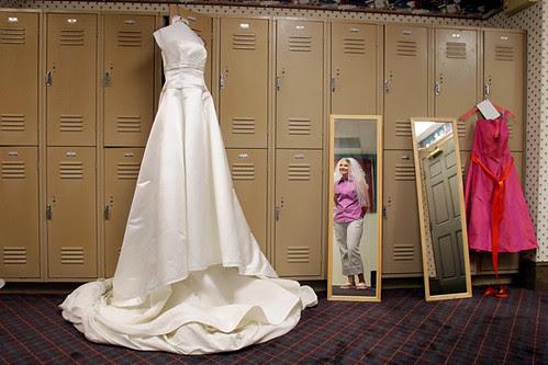 WED DRESS MIRROR