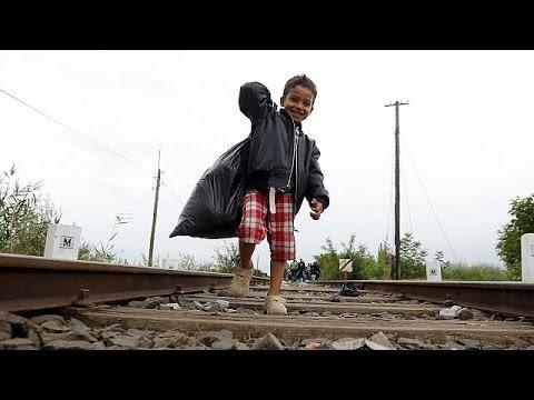 Eine Reise mit Flüchtlingen im Zug durch Mazedonien